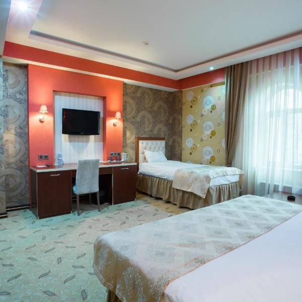 Grand Hotel This Hotel Is Located In The Centre Of Baku A 10 Minute Walk From The Old City Free Wi Fi And A 24 Hour Reception Are Featured At Grand Hotel Hot