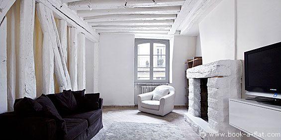 Apartment rental 1 bedroom Paris rue des Fontaines du Temple 3rd District - Nearest metro Arts et Métiers