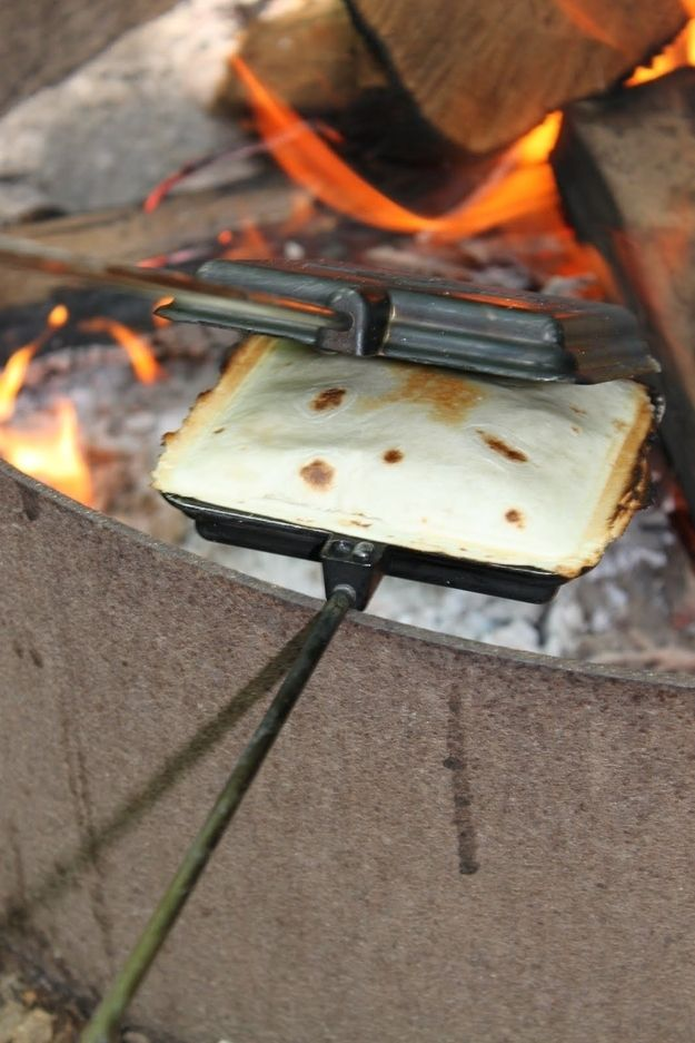 Pie Iron Tacos | 34 Things You Can Cook On A CampingTrip http://notaclueadventures.com/