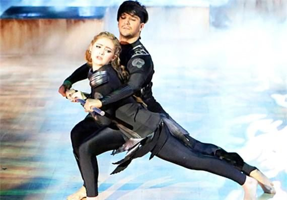 """Willow Shields and Mark Ballas dance contemporary to Coldplay's """"Atlas"""", Dancing With the Stars, season 20."""
