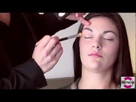 MAC Make Up Lesson: How To Apply Eyeliner