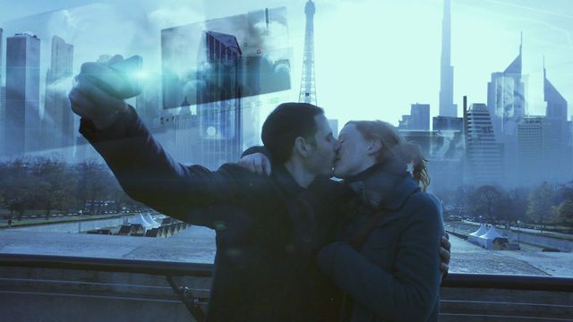 Paris, 2020.  A beautiful couple, a city over-saturated by holograms and digital stream.  A polaroid camera.  Tomorrow will never be the same.    Written, Directed and post-produced by Francois Ferracci.    With Luka Kellou and Magali Heu  Music by Alexandre fortuit    An interview about the film here:  http://onesmallwindow.com/interviews/interview-with-francois-ferracci-the-director-of-lost-memories/    Making of visual effects soon.