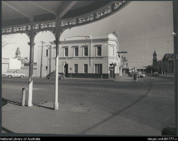 1936- The Courthouse Hotel, Bendigo, Victoria, ca