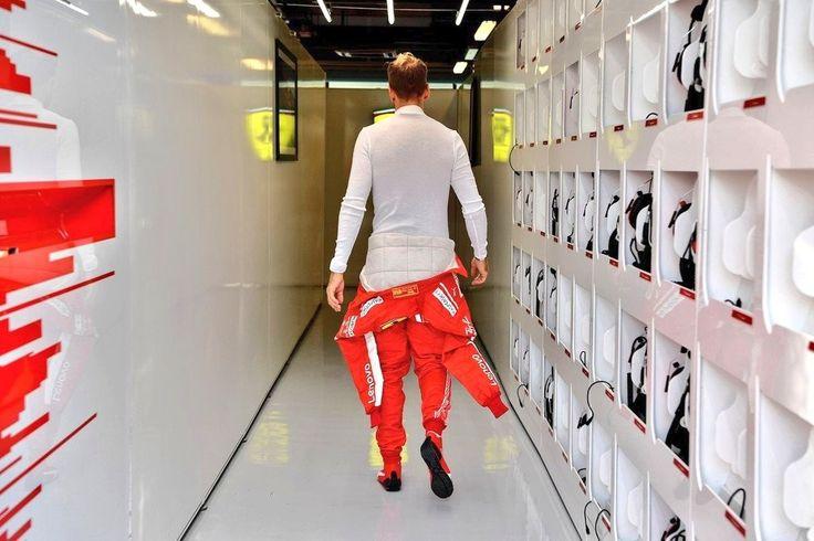 Épinglé par Alison Rennie sur F1 Sebastian Vettel (avec