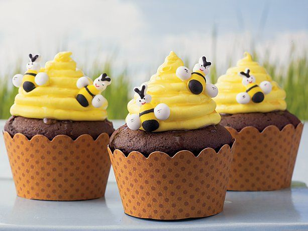 Beehive Cupcakes recipe from Betty Crocker