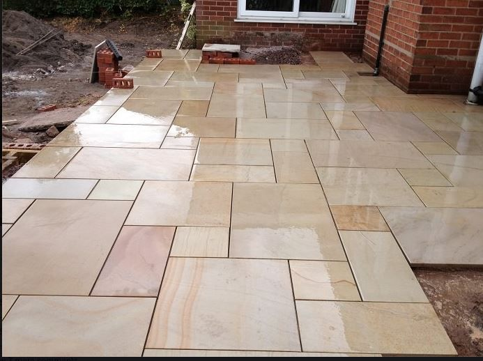 Marshalls fairstone sawn caramel cream multi hard for Hard landscaping ideas