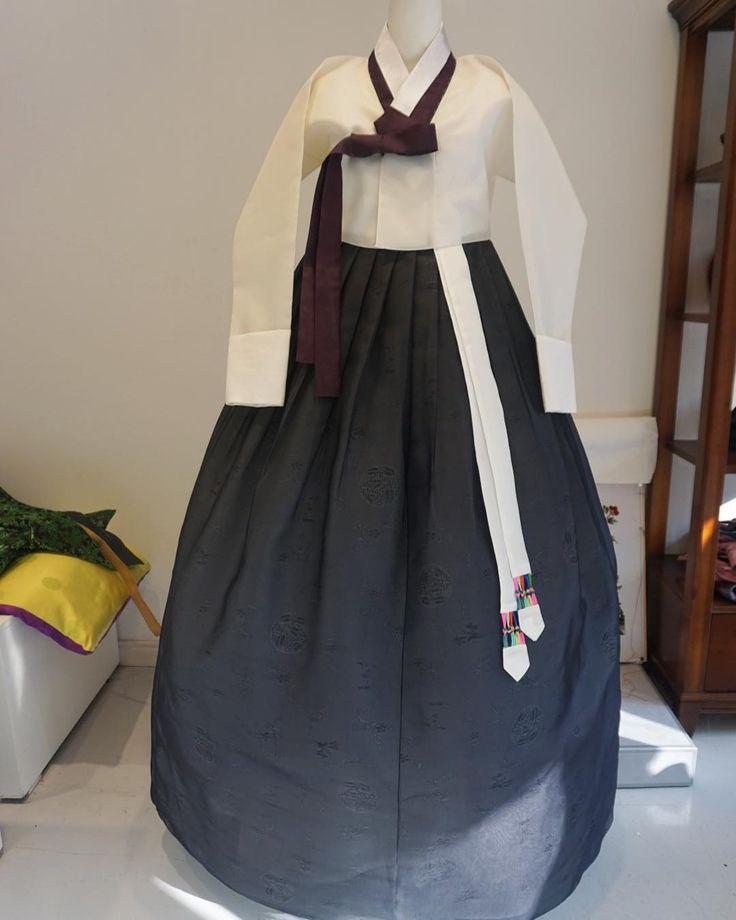 오간자 저고리 생고사 치마 #한복 #바느질풍경 #sewinglandscape #김복희 #hanbok #dress