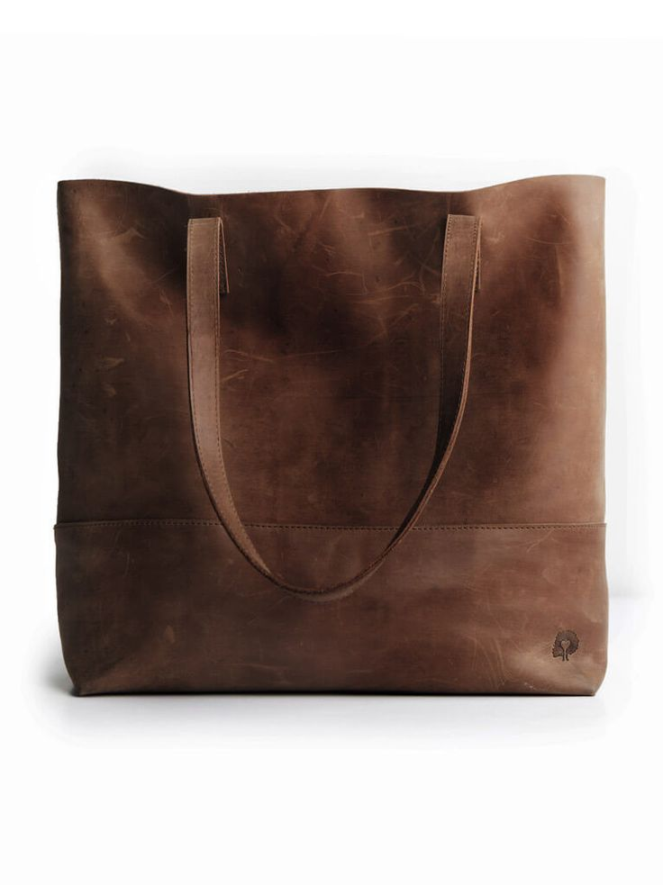 Mamuye Leather Tote is hand-crafted in both Ethiopia and Mexico // 100% genuine distressed leather.