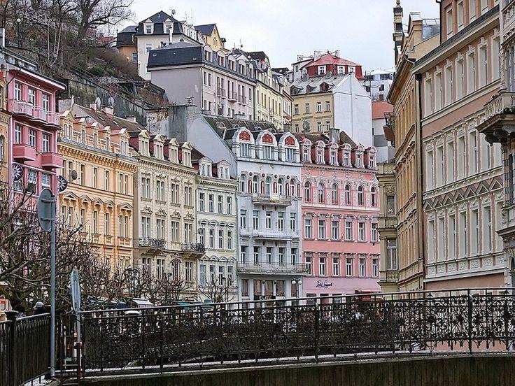 Karlovy Vary, la cittadina termale in Repubblica Ceca che ha ispirato l'ambientazione di Grand Budapest Hotel di Wes Anderson