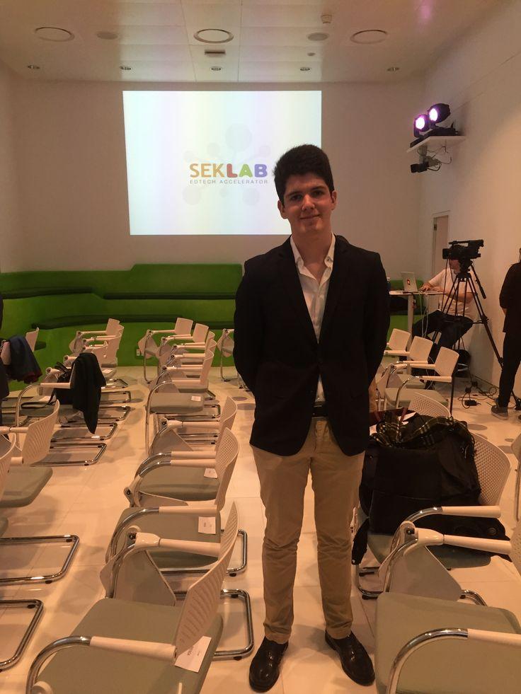 Pepe L. nuestro alumno de SEK El Castillo jurado en los SEK Lab Awards