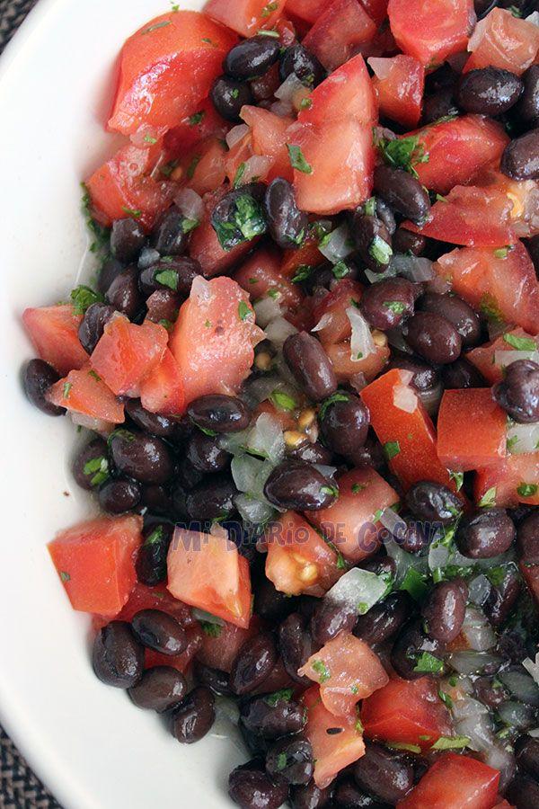 Mi Diario de Cocina | Ensalada de porotos negros (frijoles) y tomate | http://www.midiariodecocina.com