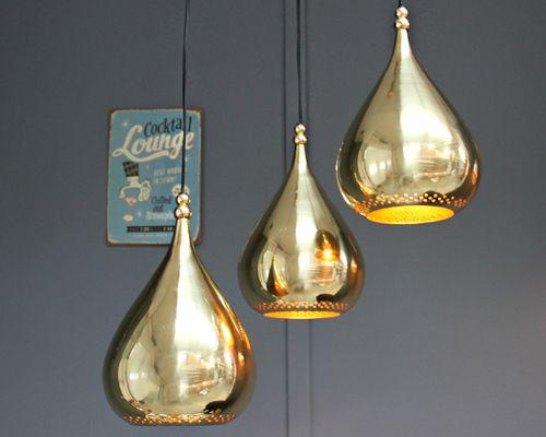 Description: Tear dropsuspension Materials:Brass Dimensions: 190mm diameter x 310mm high Lamp: E27 Max 60W Brand: The Industrial barn