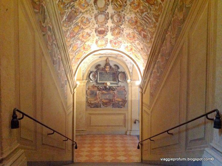 Ingresso alla Biblioteca dell'Archiginnasio, Bologna