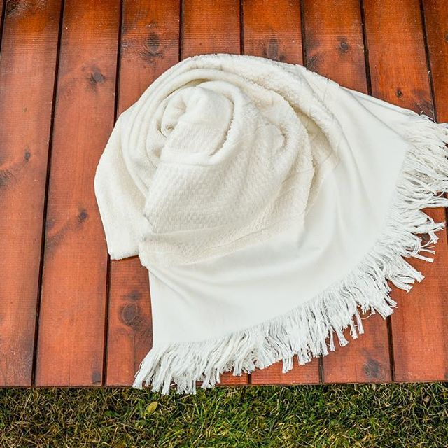 One of our favorite pieces...@saganoo #comingsoon #pesthemal #towels #dryinstyle