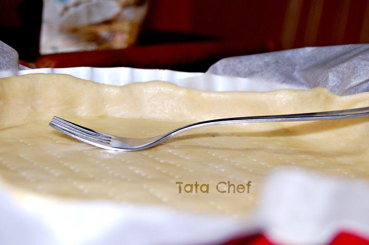 Da quando ho scoperto questa ricetta, ogni settimana mi sbizzarrisco nella creazioni di buonissime torte salate, fatte con pochissimi ingredienti sani e r