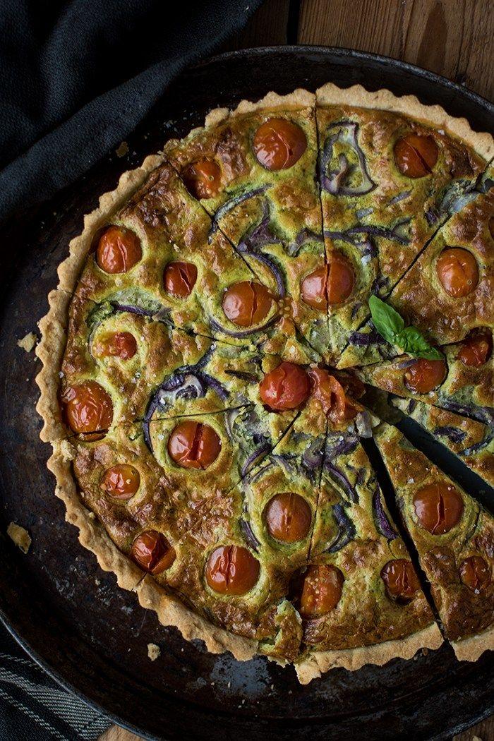 Tomaten-Basilikum-Mozzarella-Tarte: Sommer zum Abendessen