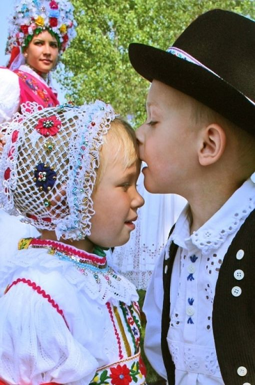 Hungarian folk costume (Kazár, Hungary)#little boy and girl#love#cute