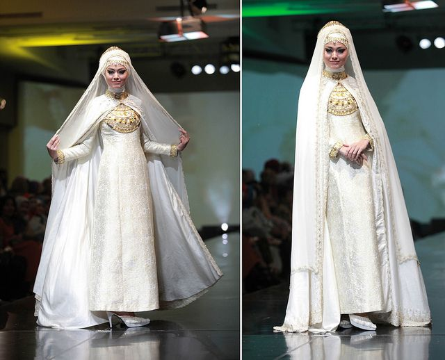 bride in muslimah wear. credits: dian pelangi