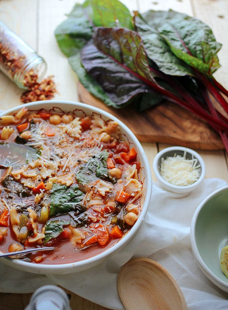 Minestrone soup with garbanzo beans