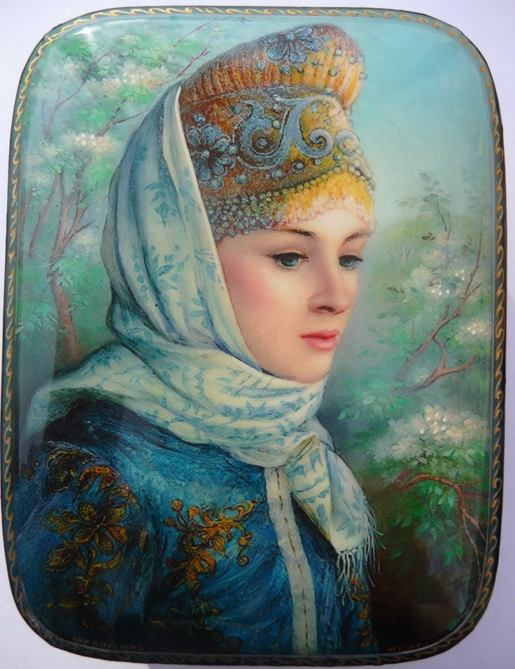 Russian lacquer miniature from the village of Fedoskino. Russian beauty in a kokoshnik.