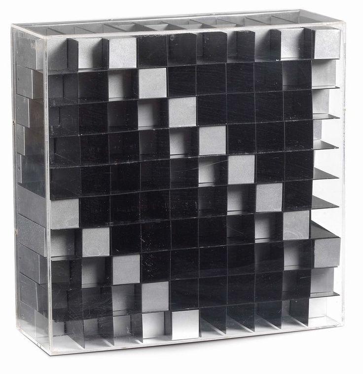 Enzo Mari - Struttura - Lamine di metallo entro plexiglas - cm. 30,5x30,8x11