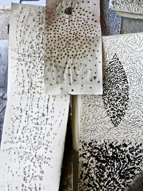 Art Sketchbook - monochromatic mark-making experiments; surface pattern design  texture creation // Sophie Munns