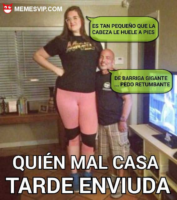 Meme quien mal casa tarde enviuda #girl #sexy #enano #love #amor #chiste #meme #español #memesenespañol #2017 #memesvip #chistecorto #humor #españa #eeuu #usa #mexico #argentina #matrimonio #refranes #gigante #marido #mujer