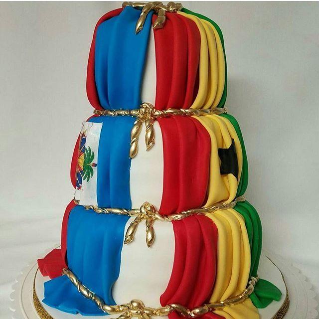 Ghanaian Haitian themed cake by @cakesbystyles  #choute4love #idoghana #cake #inspiration #instalike #awesome
