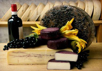 FOOD BLOGGER - COMFORT FOOD DI KIKA FRIZZANTINA: Formaggio ubriaco al vino rosso