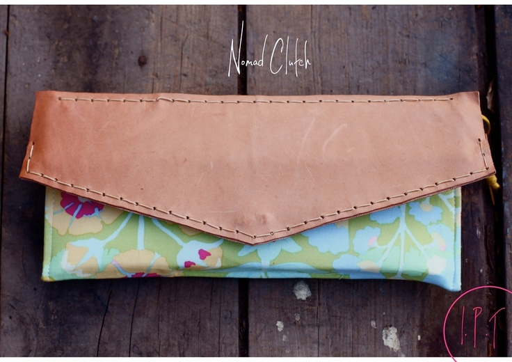 Image of Nomad Clutch