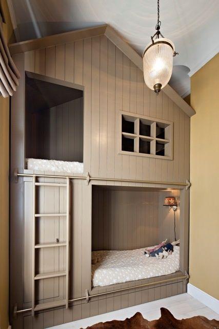 lit superposés enfants cabane