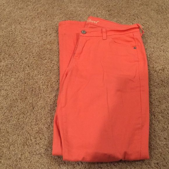 coral pink old navy pants size 10R! super cute coral pink straight legged pants size 10 R! has small stain at bottom of pant leg, but it is unnoticeable. other then that, great condition!! not American eagle, just posted for visibility :) American Eagle Outfitters Pants