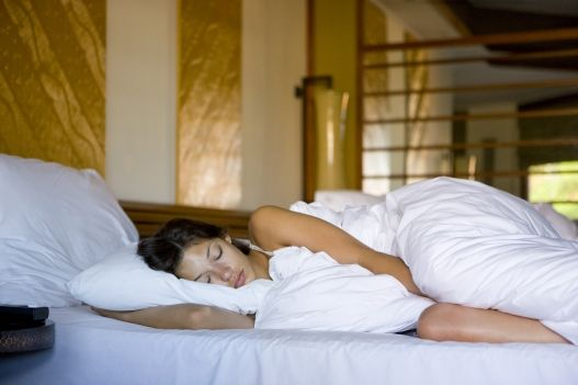 Get your zzzs  Adult women require anywhere from six to eight hours of sleep every night. If you're staying up late on the regs and aren't meeting that minimum, you'll throw off your natural rhythm, which can cause your body to freak out and start overproducing hormones (including cortisol)