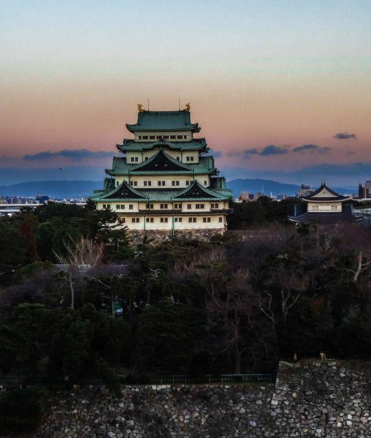 The Kimono Gallery; Nagoya Castle