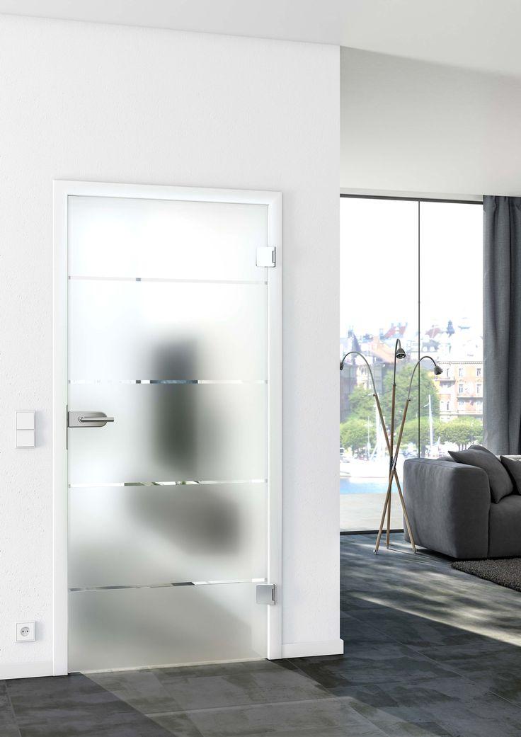 Trotz Glas undurchsichtig. Unsere SignumSatin gibt es auch mit breiteren oder schmaleren Streifen und ist ein echter Klassiker unter den Glastüren!