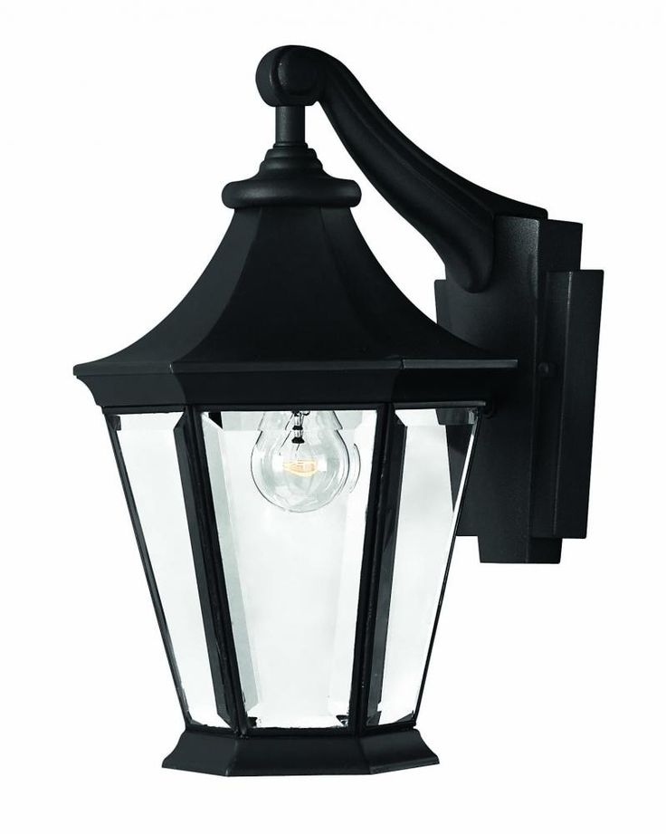 This is a nice, traditional style outdoor wall lantern from Hinkley that would really give your ...