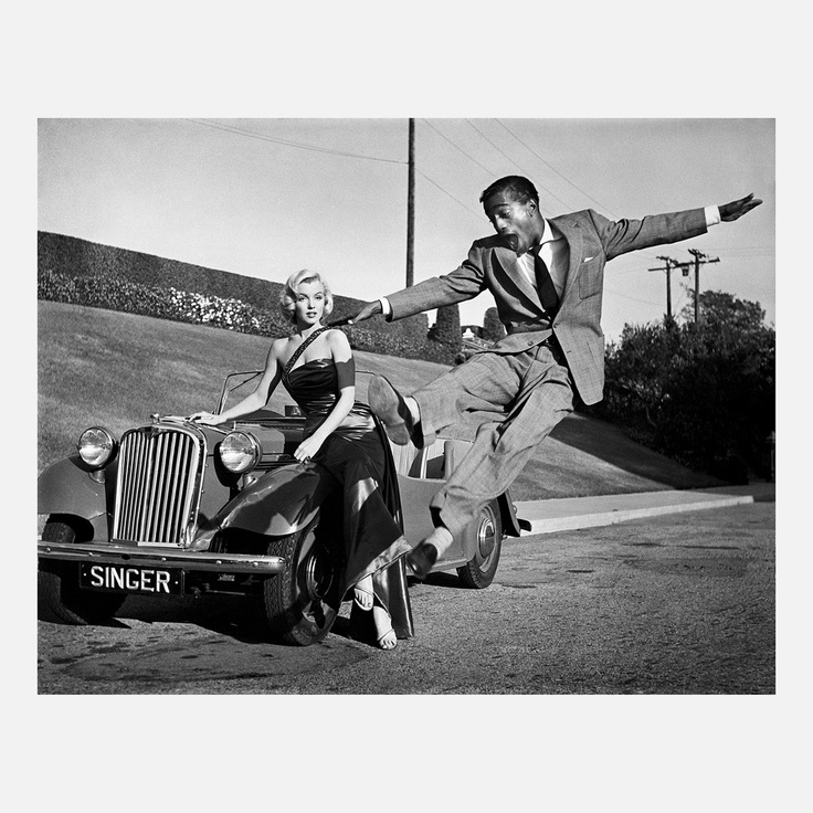 """Marilyn Monroe with Sammy Davis Jr  on the set of """"How to Marry a Millionaire""""(photo by Frank Worth 1953)"""