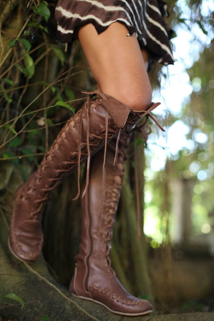 oh myyyyy....  <3 Amazing Knee High Leather Boots in Brown