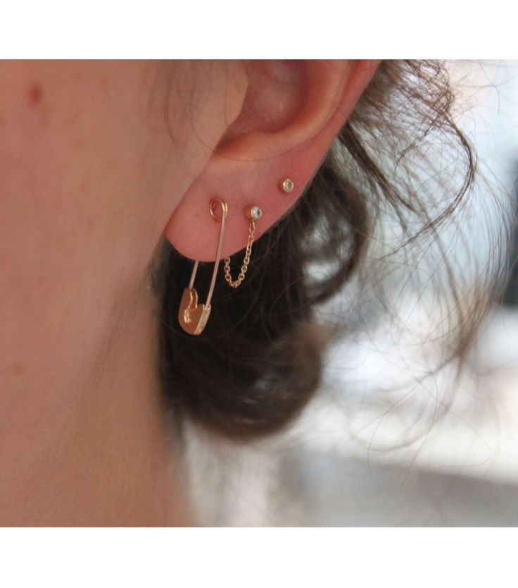 Gold safety pin earring - HELLS YES! - Catbird :: shop by category :: JEWELRY :: Earrings :: Gold Safety Pin Earring