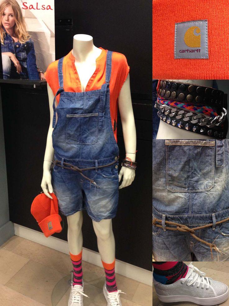 En mode Street Style ! Femme : Tee-shirt SALSA, Salopette SALSA, Chaussette HAPPY SOCKS, Basket NO NAME, Bonnet CARHARTT, Bracelet DIESEL RDV chez PARANO
