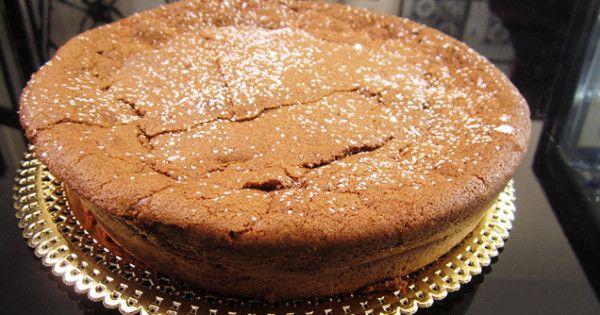 Scopri la ricetta della torta caprese di Knam a Che diavolo di pasticceria su Real Time!