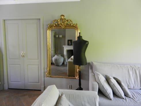 25 beste idee n over woonkamer spiegels op pinterest roze woonkamers en woonkamerhoeken - Deco entreehal ...