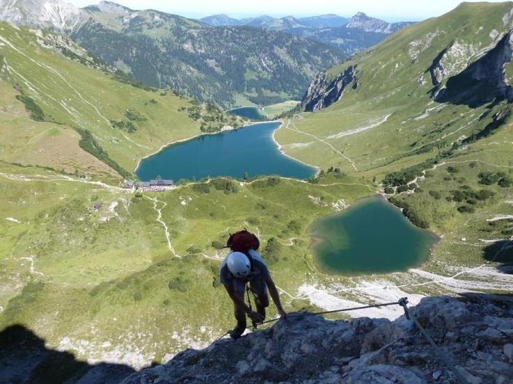 Klettersteig Lachenspitze Vilsalpsee Traualpsee Tannheim Allgäu. Und so geht's zur Tour: http://www.outdooractive.com/de/klettersteig/allgaeu-kleinwalsertal-tannheimer-tal/klettersteig-lachenspitze-vom-vilsalpsee-aus/3083260/#axzz28gMDslDw