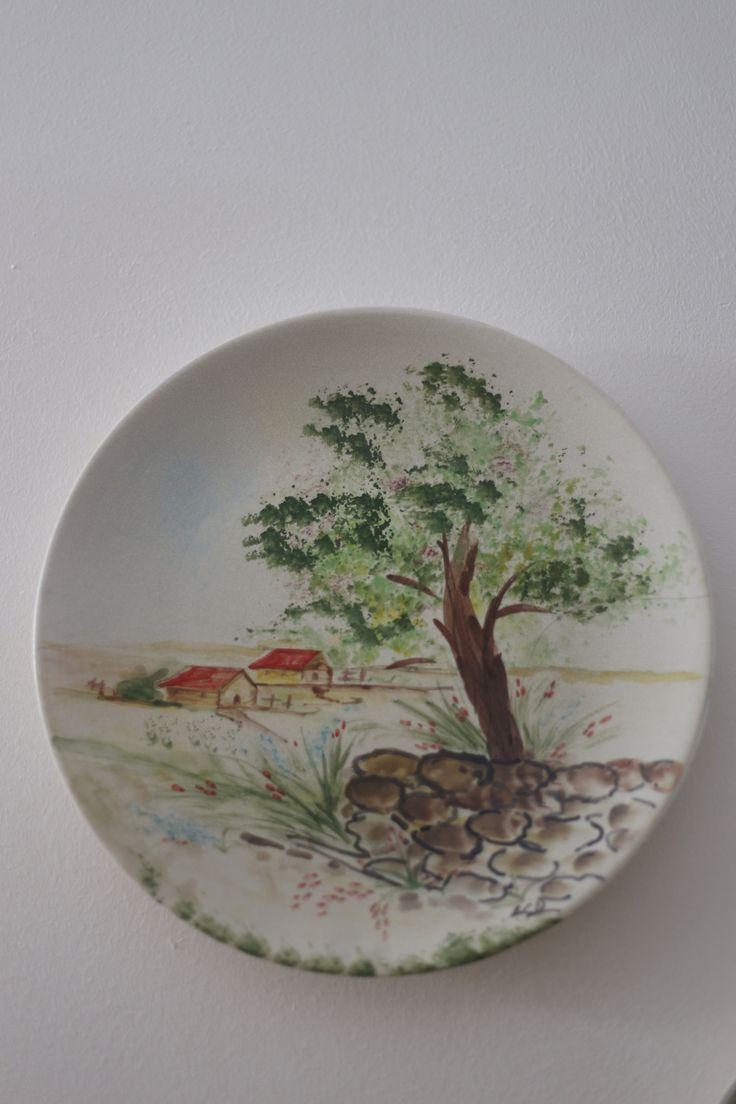 piatto diametro cm 30 - tecnica crackle opaca - scorcio di campagna