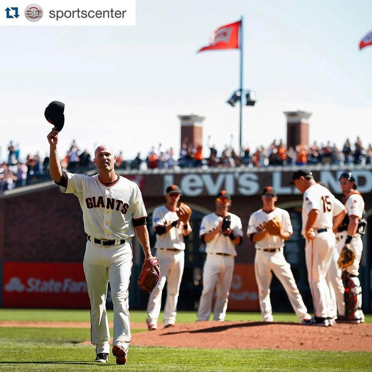 sfgiants#ThanksHuddy #SFGiants #Repost @sportscenter ・・・ Giants P Tim Hudson salutes the crowd as he leaves the game in the third inning, capping a 17-year MLB career.