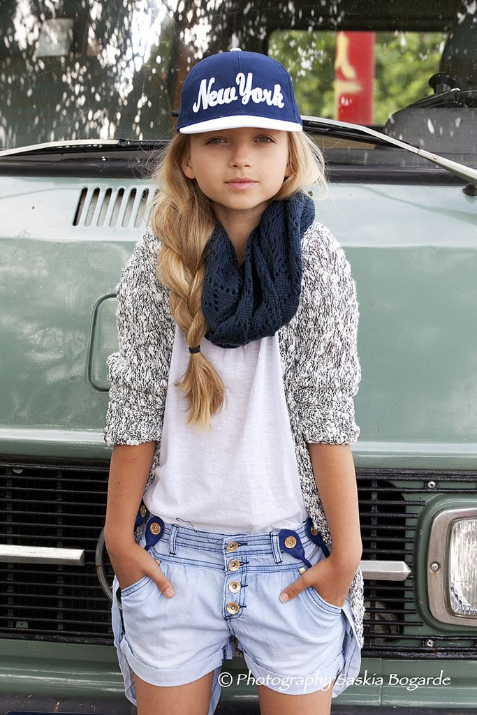Tween Girls denim short and relaxed out fit