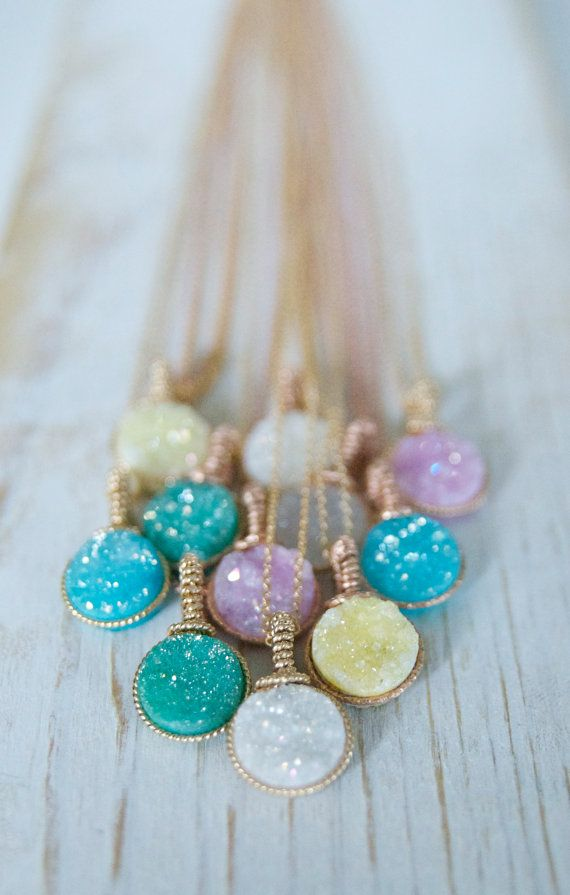 Wedding party gift ideas - these beautiful druzy necklaces will dazzle!
