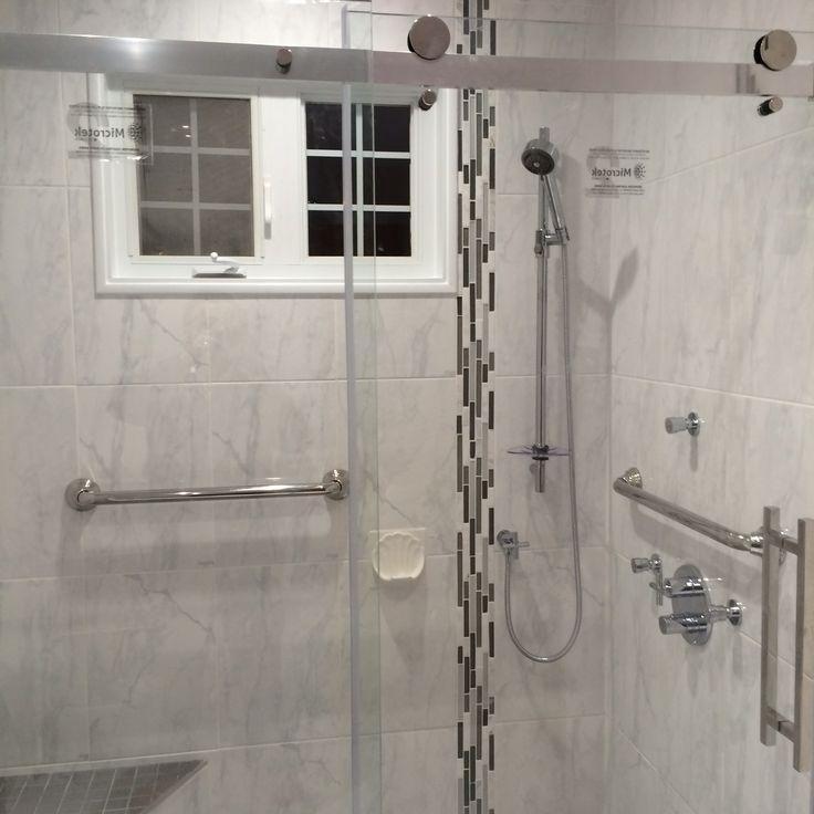 douche c ramique avec barre d 39 appui banc c ramique et. Black Bedroom Furniture Sets. Home Design Ideas