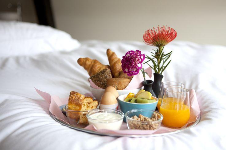 Dames, zeg eens eerlijk. Wanneer bent u voor het laatst verwend met een heerlijk ontbijtje op bed? ;-)