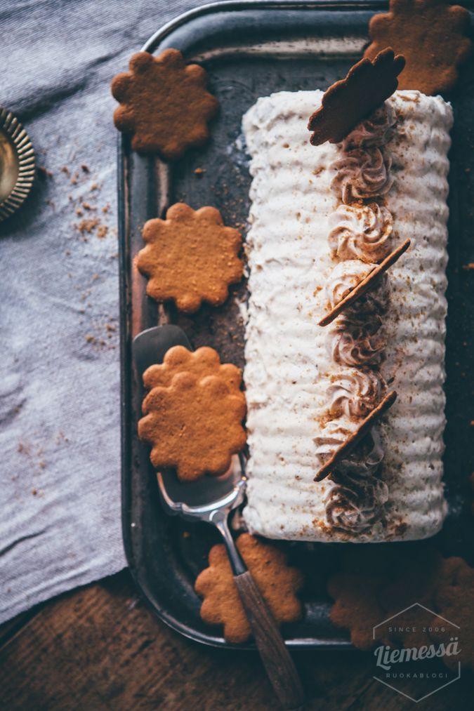 Luumujäädyke - Liemessä Jäädyke I Joulu I Jälkiruoka I Pipari I Luumu I Resepti I Ohje I Plum sorbet I Gingerbread I Christmas food I Food photography